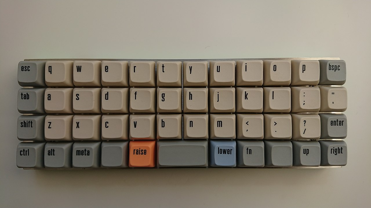 Un clavier ortholinéaire minimaliste